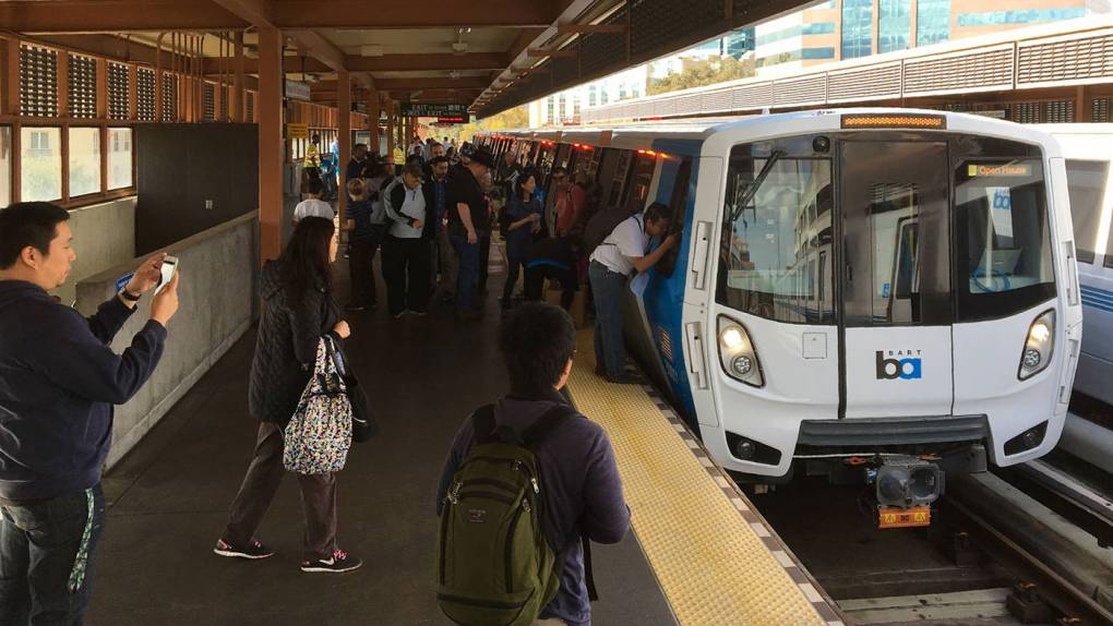 Image of [US] A Short Story to Read on BART? These Machines Will Print You One for Free